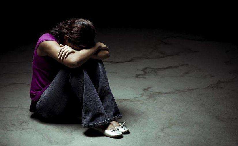 Una joven, de 19 años, intentó quitarse la vida en días pasados al arrojarse del techo de la casa de su padre en Ticul. (Archivo/Agencias)