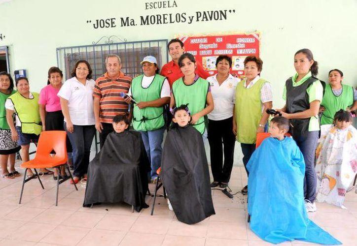 La jornada inició ayer en la escuela primaria José María Morelos y Pavón. (Cortesía/SIPSE)