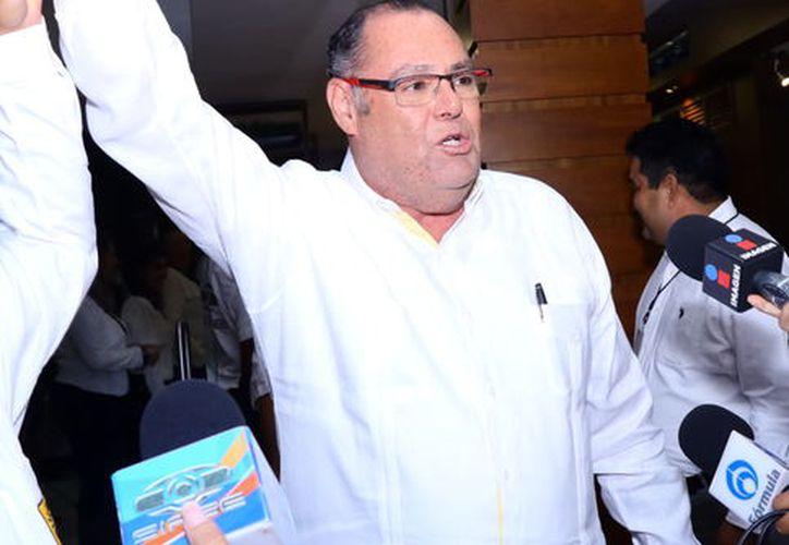 Jorge Zavala Castro dijo que estará del lado de los pobladores. (Milenio Novedades)