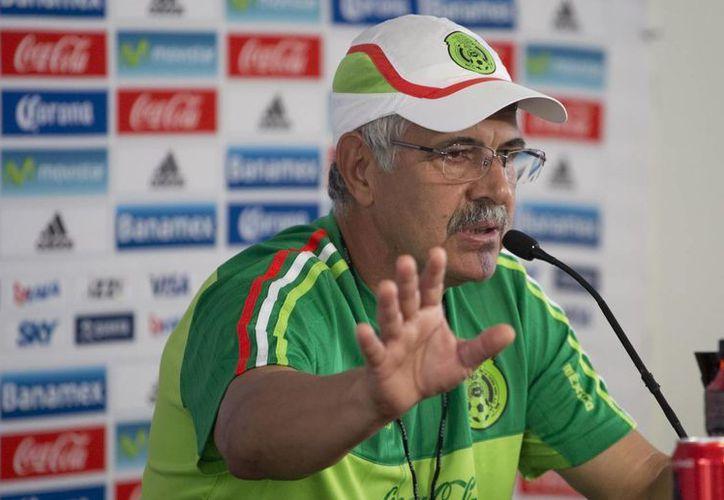 En uno de los partidos más importantes de su carrera, Ricardo Ferretti, Tuca, dirigirá su último partido como entrenador interino de la Selección Mexicana ante EU por el pase a la Copa Confederaciones. (AP)