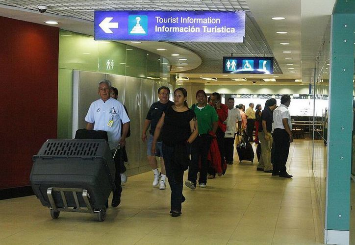 Los siete extranjeros serán trasladados a sus países de origen, tras ser puestos a disposición de las autoridades.  Esto fue en un operativo que se llevó a cabo en el Aeropuerto de Mérida. (Foto de contexto. Archivo/SIPSE)