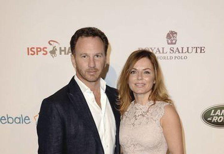 La exSpice Girl, Geri Halliwell, de 42 años, se unió en matrimonio a Christian Horner. Ambos tienen un hijo.  (EFE)