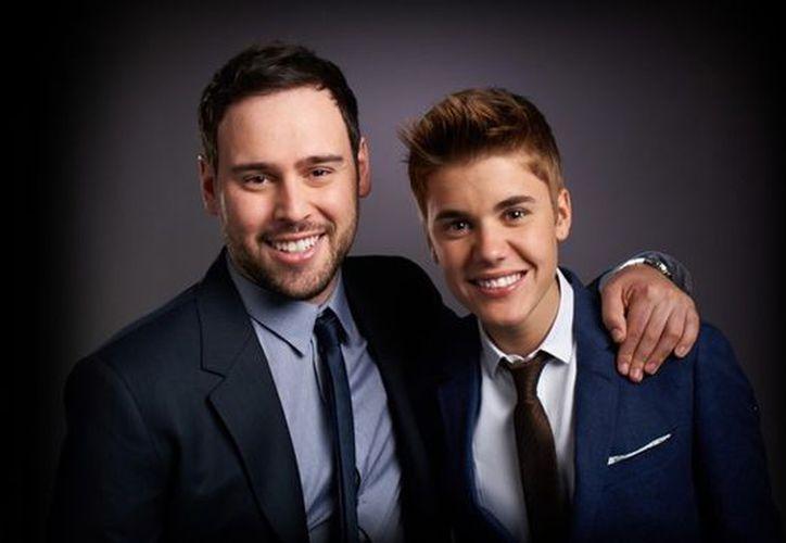 El mánager de Justin Bieber, Scooter Braun, dijo que el chico merecía ser nominado a Grammys. (www.wordpress.com)