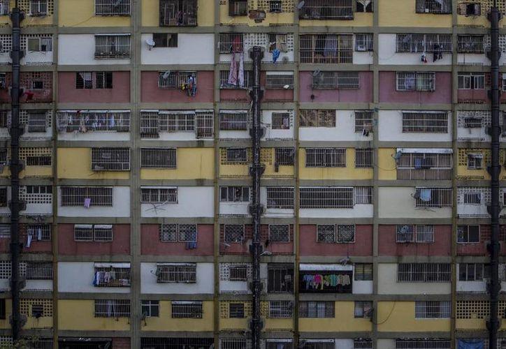Hace 10 años el alquiler en Venezuela representaba el 30% de las soluciones habitacionales y 10 años después solo el 1% del mercado inmobiliario lo representa el alquiler. (EFE)