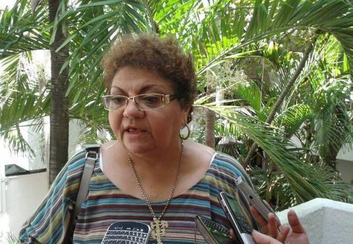 La regidora, Latifa Muza Simón, votó en contra de la revocación del PDU en la sesión extraordinaria . (Contexto/Internet)