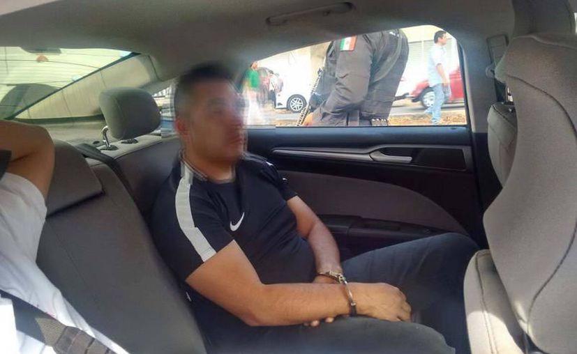 En febrero pasado,  tres peruanos asaltaron a un 'abuelito' en la colonia Alemán. Luego de pagar la multa, ayer fueron devueltos a su país.  (Milenio Novedades)