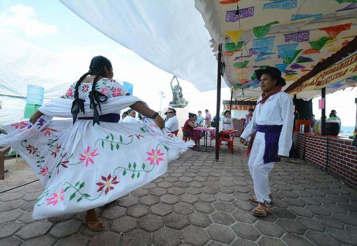 Las artesanías, danzas y gastronomía  de Oaxaca estarán presentes en la Guelaguetza en Isla Mujeres. (Redacción/SIPSE)