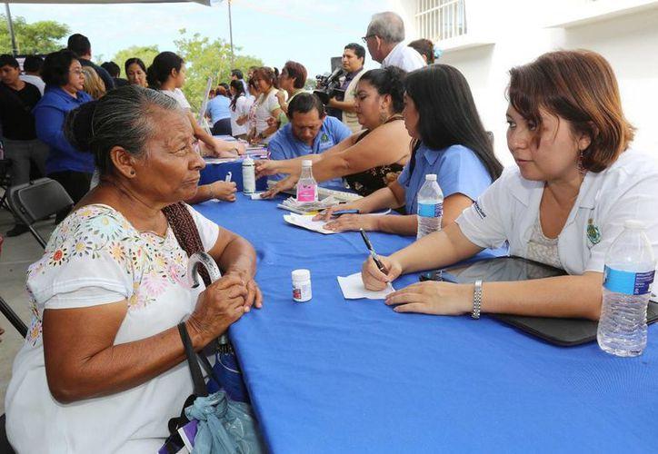 La jornada de la salud se realizó en el Centro de Atención Médica a la Mujer, ubicado en la colonia Emiliano Zapata Sur I y II. (SIPSE)