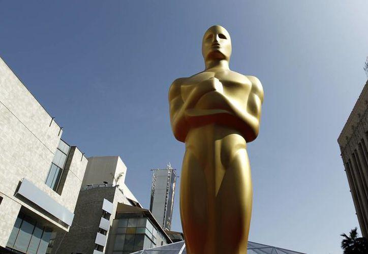 Foto de una estatua de los premios Oscar durante la 84 entrega de los Premios de la Academia, en febrero de 2012. (Agencias)