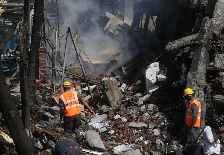 Una explosión en una fábrica de químicos dejó saldo de dos muertos y más de 100 heridos, en la India. (AP)