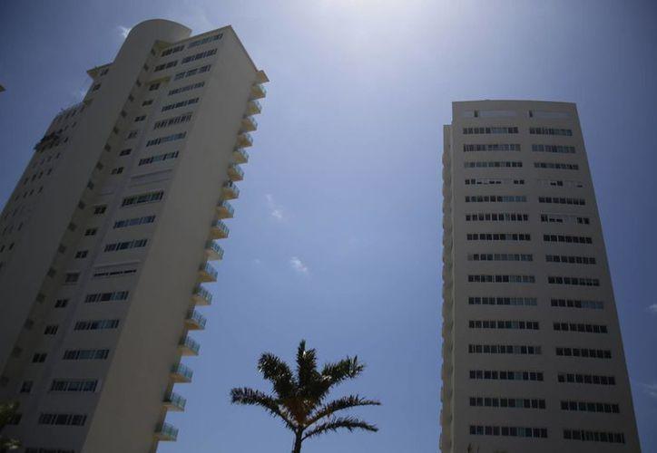 Sumarán otros 350 departamentos en Puerto Cancún. (Israel Leal/SIPSE)