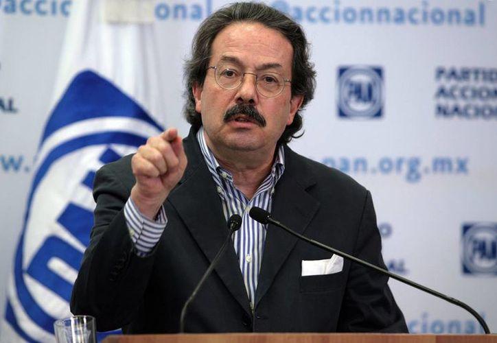 Molinar Horcasitas pidió al ex presidente Calderón sumarse al esfuerzo de todos los compañeros panistas. (pan.org.mx)