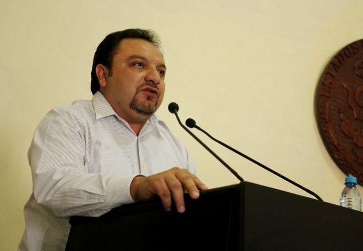 'No vamos a renunciar a la diputación ni tampoco vamos a dejar en segundo plano la tarea partidista', aseguró el diputado Torres Rivas. (Cortesía)