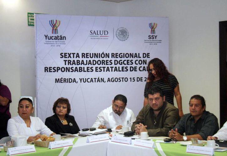 Se informó que en 2015 Yucatán contará con más médicos. (Milenio Novedades)