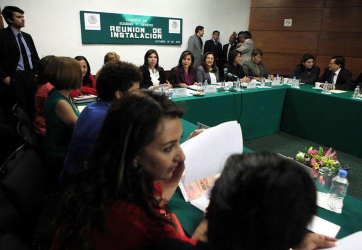 Instalación de la Comisión de Equidad de Género en la Cámara de Diputados, el pasado 25 de octubre. (Agencia Reforma)