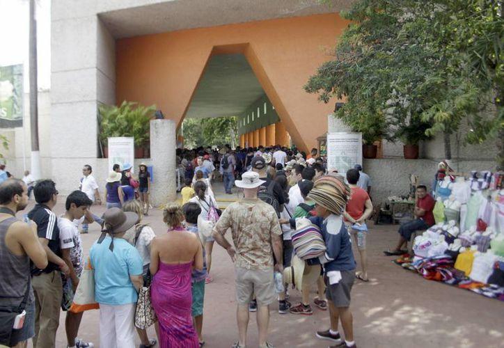 Chichén Itzá, es el sitio preferido de los viajeros que visitan Yucatán. Imagen de la entrada a la zona arqueológica. (Milenio Novedades)