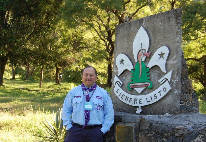 Ernesto Ricalde lleva 48 años en el grupo Boys Scouts de Yucatán. Conoce su historia.  (Foto: José Acosta)