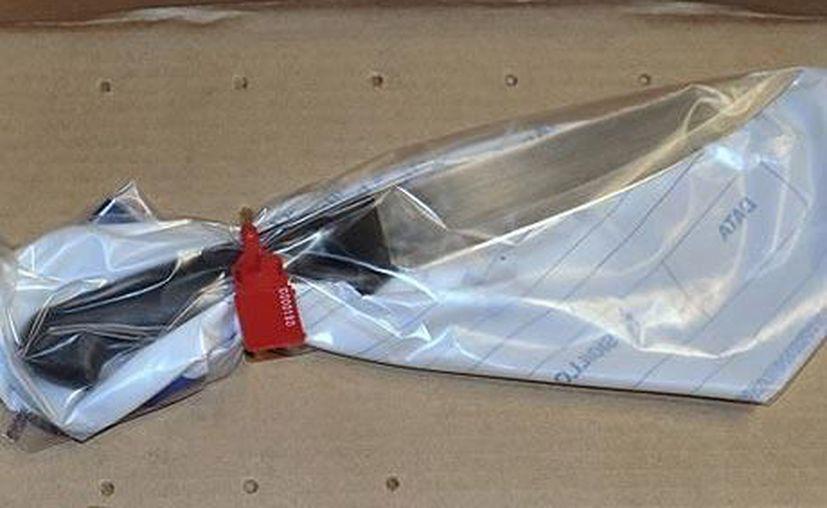 La policía encontró huellas de la viuda en un cuchillo y un cutter manchados con sangre. (Internet)