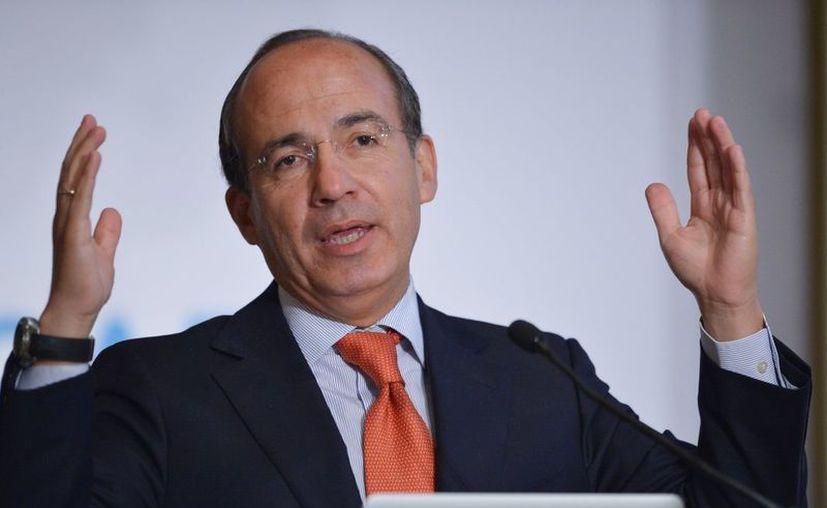 En Twitter, el ex panista criticó la falta de capacidades de funcionarios en el sector eléctrico. (Agencia Reforma)