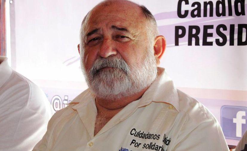 Juan Bautista Espinosa Palma, el candidato independiente. (Adrián Barreto/SIPSE)