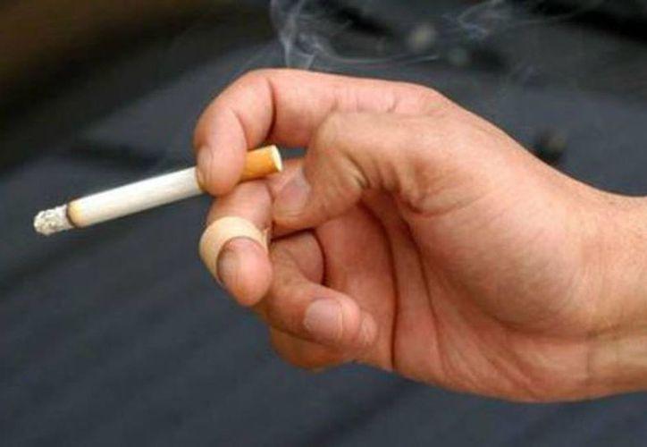 En 1994, centenares de fumadores o familiares de fumadores de Florida que aseguraban que habían enfermado o muerto por culpa de enfermedades vinculadas al tabaco presentaron una demanda colectiva contra las grandes tabacaleras. (Archivo/Milenio)