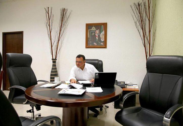 Este domingo se llevará a cabo el Tercer Informe de Gobierno de Rolando Zapata Bello. (SIPSE)