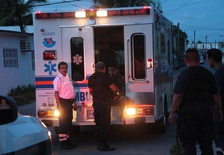 Al lugar acudieron elementos del Grupo de Operaciones Especiales, así como una ambulancia.  (Redacción/SIPSE)