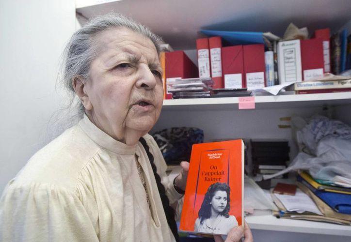 Madeleine Riffaud, de 90 años, pudo sobrevivir al holocausto nazi gracias a su valentía cuando tenías menos de 20 años de edad. (Foto: AP)