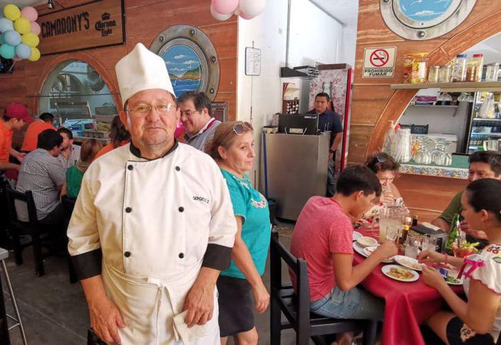 Los restaurantes tuvieron gran actividad durante el Día de la Madre. (José Acosta/Novedades Yucatán)