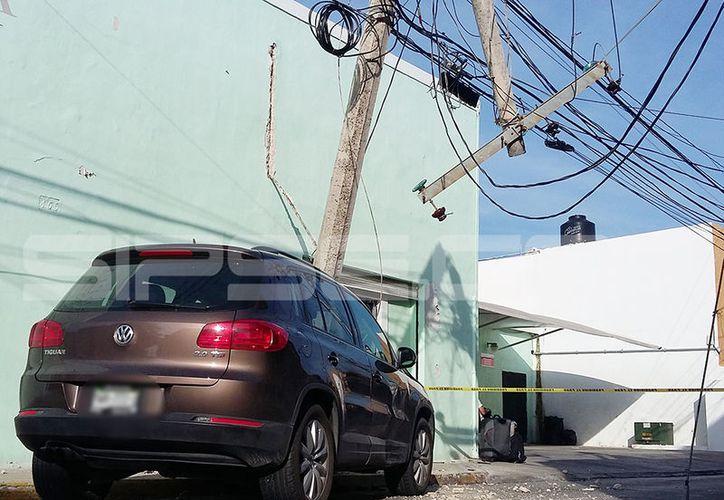 El accidente resultó bastante aparatoso. (Aldo Pallota/SIPSE)
