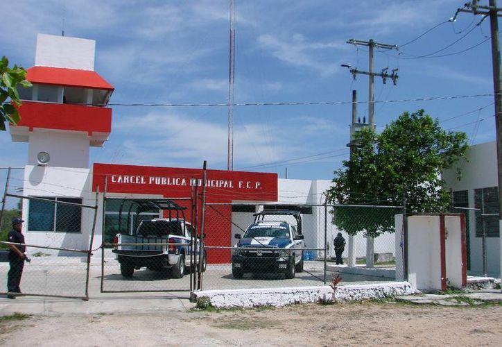 Algunos de los problemas que se detectaron en la cárcel de Felipe Carrillo Puerto, es que los defensores de oficio no informan con oportunidad. (Manuel Salazar/SIPSE)