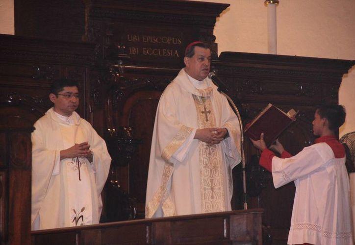 El Arzobispo de Yucatán, Monseñor Gustavo Rodríguez, durante la eucaristía de este viernes 1 de enero. (SIPSE)