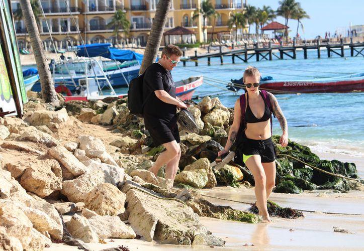 Las piedras se colocaron en playa para evitar la erosión. (Foto: Octavio Martínez/SIPSE)