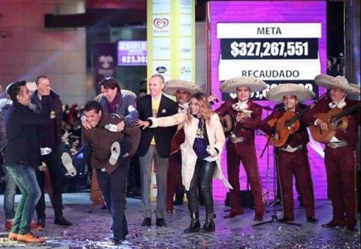 La fundación Teletón logró recaudar un total de 361 millones 695 mil 829 pesos, para superar la meta del 2015. (Foto tomada de Twitter/Teletón)