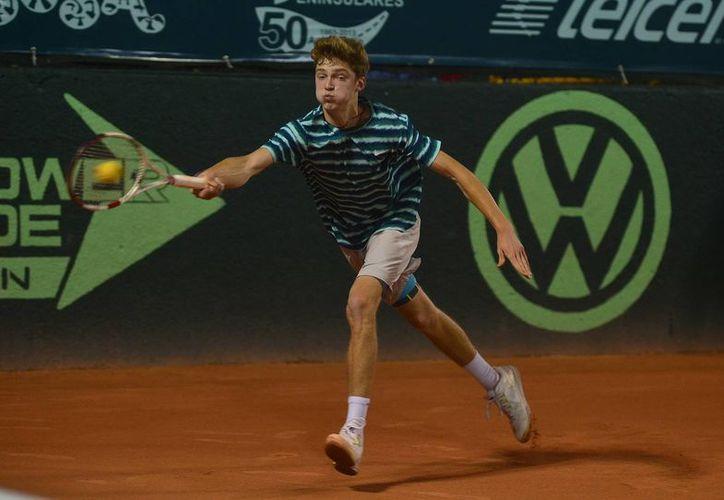 El ruso, número 1 del mundo y gran  favorito, Andrey Rublev (foto), se enfrentará en la final de la Copa Mundial Yucatán de tenis juvenil al norteamericano Taylor Fritz. (Luis Pérez/SIPSE)