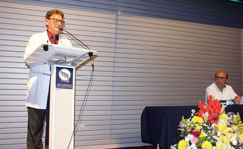 Rafael Barrera Zoreda, director del HRAE, durante en la inauguración de la IV Jornada Académica de Trabajo Social 'Nuevas Realidades Sociales, Paradigmas y Modelos de Intervención'. (Milenio Novedades)