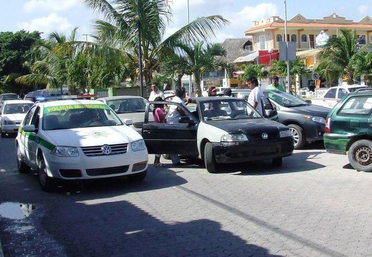 Las propias autoridades de Tránsito Municipal, admiten que el problema de tráfico, es grave y urge buscar alternativas. (Rossy López/SIPSE)