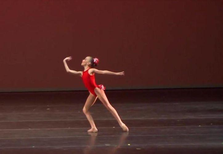 La gala de clausura y premiación se realizó en el Palacio de Bellas Artes. (Facebook/ Ballet Clásico Cancún)