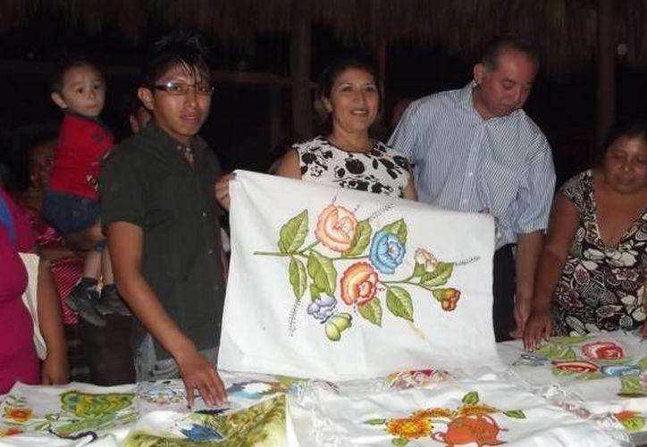 Uno de los cursos a impartir será la elaboración de artesanías. (SIPSE)