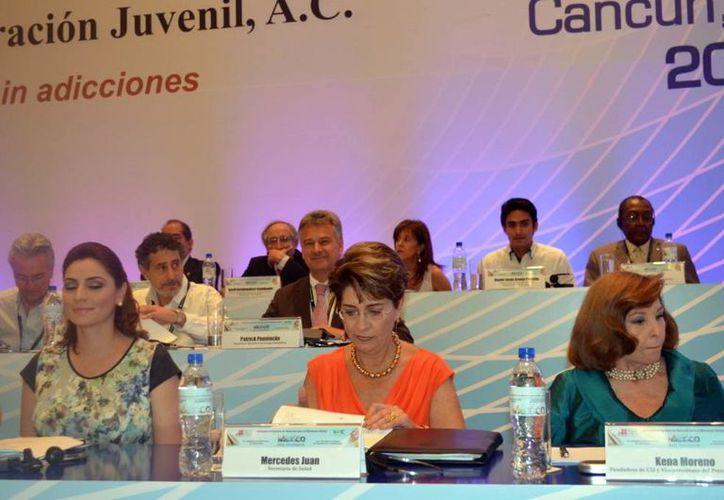 Como representante de Yucatán,  el subsecretario de Desarrollo Social y Asuntos Religiosos de la Secretaría General de Gobierno, Daniel Granja Peniche, participa en el XVI Congreso Internacional en Adicciones en Cancún. (Milenio Novedades)