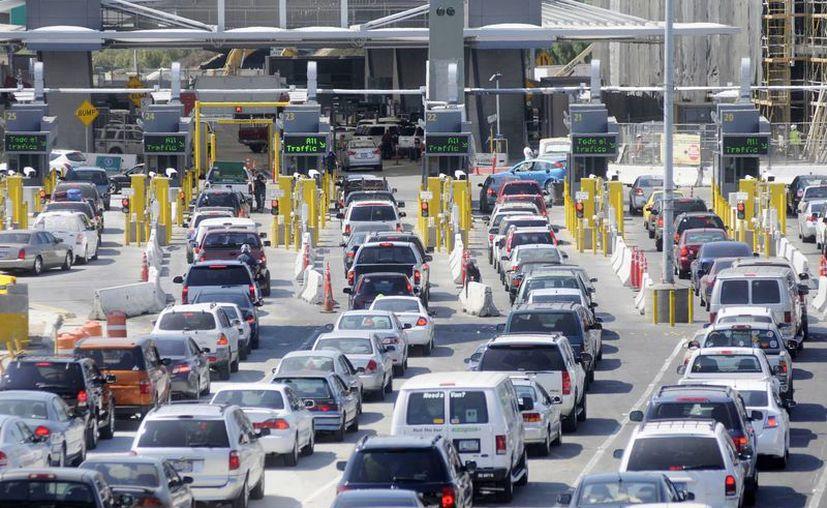 El gobierno mexicano se prepara para recibir a cientos de miles de connacionales que volverán a su tierra voluntariamente o deportados desde los Estados Unidos, tras el inesperado triunfo de Donald Trump. (Archivo/Notimex)
