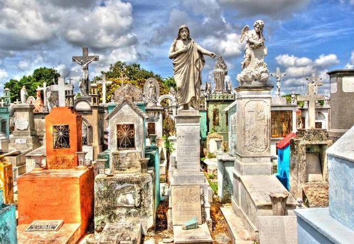 Las 'curaciones' de cementerios deben realizarse cada siete años, según los conocedores. (SIPSE)