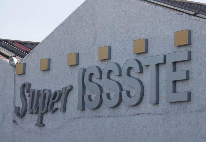 El problema de las tiendas Issste reside en el fuerte crecimiento de otras franquicias de la iniciativa privada. (Israel Leal/SIPSE)