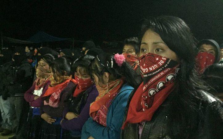 """El EZLN señaló que su lucha """"no es por el poder"""", sino para llamar """"a los pueblos originarios y a la sociedad civil a organizarse para detener la destrucción capitalista. (Isaín Mandujano/Proceso)"""