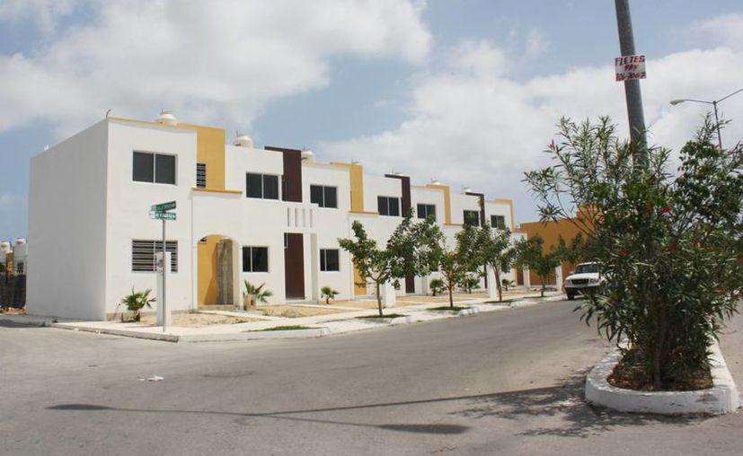 Desarrollos de vivienda en plena construcción. (Alida Martínez/SIPSE)