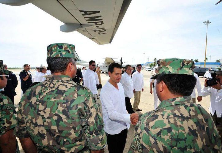 El Gobierno de Guerrero emitió la alerta azul de seguimiento de la tormenta tropical <i>Amanda</i>. En la imagen, el presidente Enrique Peña Nieto en Acapulco, en donde presentó hace unos días el Programa Nacional de Protección Civil. (NTX)