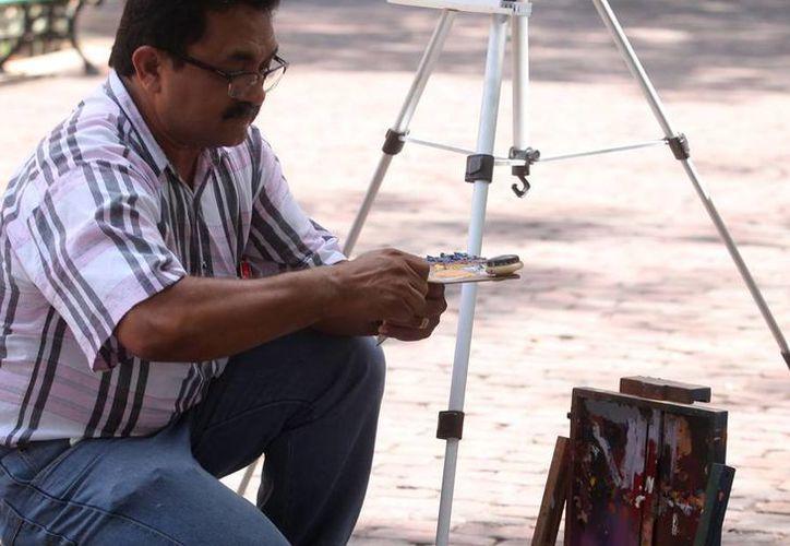 Víctor Argáez, artista plástico, se ha distinguido no sólo por llevar el arte a espacios públicos sino por formar a generaciones de artistas en Yucatán. (Milenio Novedades)