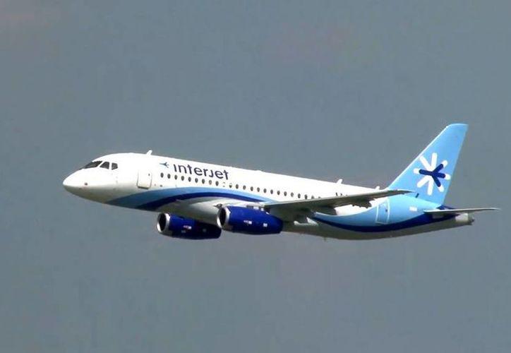 Interjet dispuso aviones A321 para cubrir las 11 rutas afectadas por los vuelos candelados de los Superjet100. (Archivo/SIPSE)