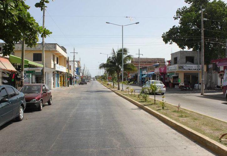 Cuatrocientos habitantes de la colonia Colosio denunciarán esta semana a la Desarrolladora de la Riviera Maya, por Fraude Específico en su contra.  (Carlos Calzado/SIPSE)