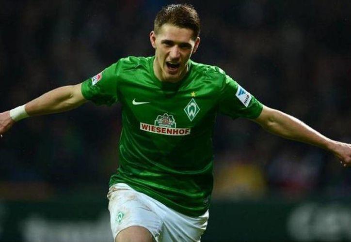 Tres goles de Nils Petersen hicieron ganar al Friburgo y enviaron al mismo tiempo al Borussia Dortmund al fondo de la tabla general en la Bundesliga. (eurosport.com)